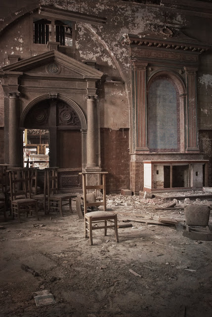 abandoned-church08