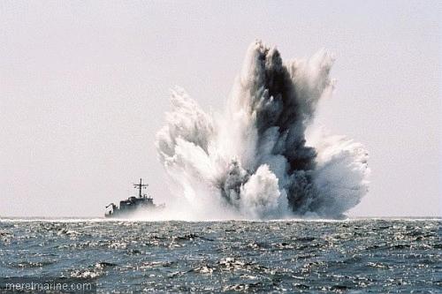 sea-mine-exploding