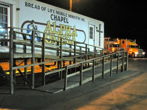 evang-truck-chapel