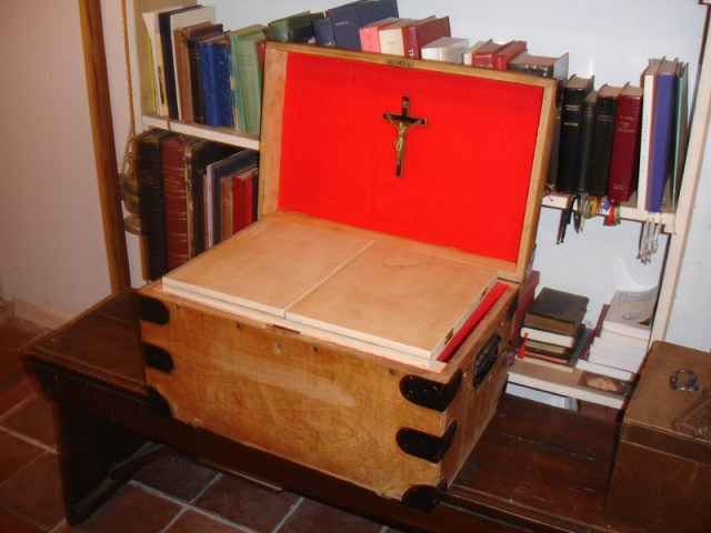 tuckbox-chapel2